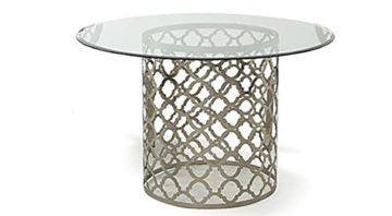 Quatrefoil dining table 1090 x 600